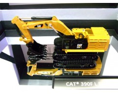 EXCAVADORA CATERPILLAR 390 F-L ESCALA 1:125