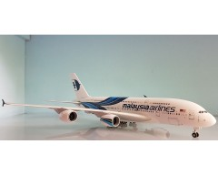 AVION AIRBUS A380 MALAYSIA AIRLINES ESCALA 1:200