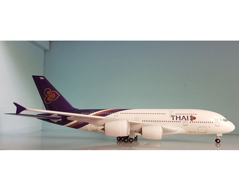 AVION AIRBUS A380-800 THAI AIRLINES ESCALA 1:200