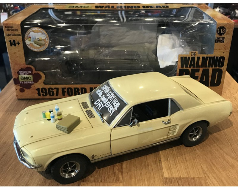 FORD MUSTANG 1967 PELICULA SERIE THE WALKING DEAD ESCALA 1:18