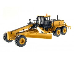 MOTONIVELADORA CATERPILLAR 24M ESCALA 1:50