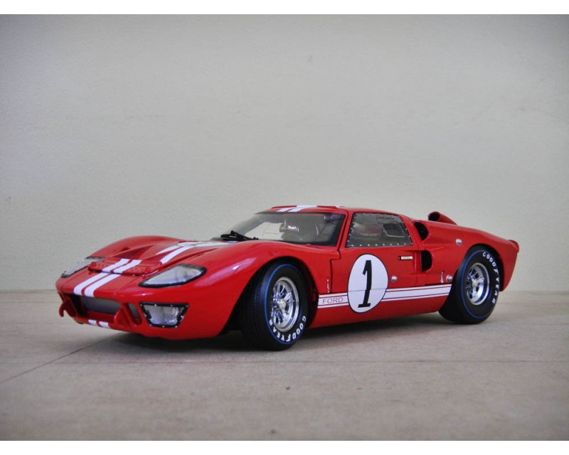 FORD GT40 LE MANS #1 1966 ESCALA 1:18
