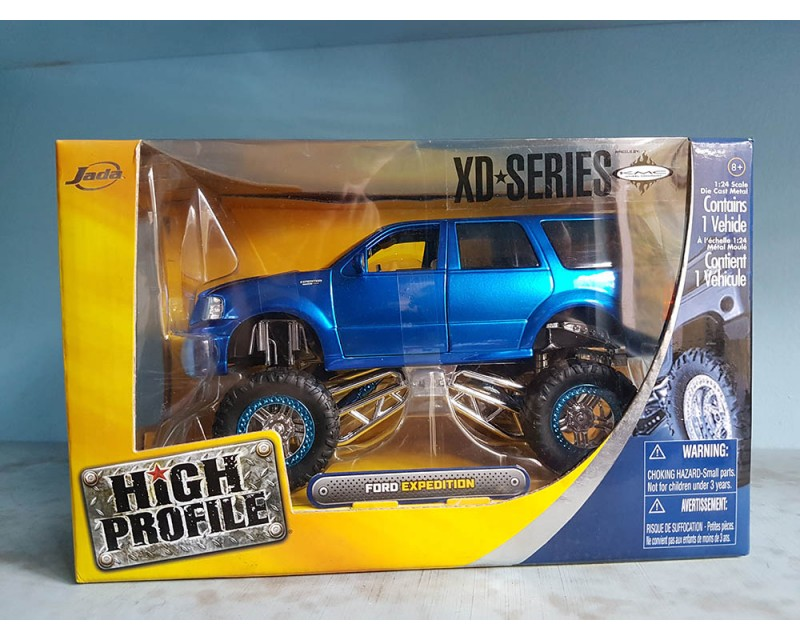 FORD EXPEDITION MONSTER TRUCK ESCALA 1:24